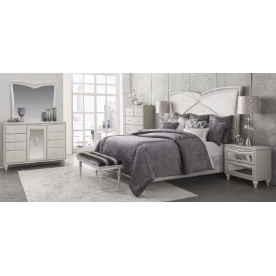 Melrose Plaza Bedroom Collection - Vanity and Bench